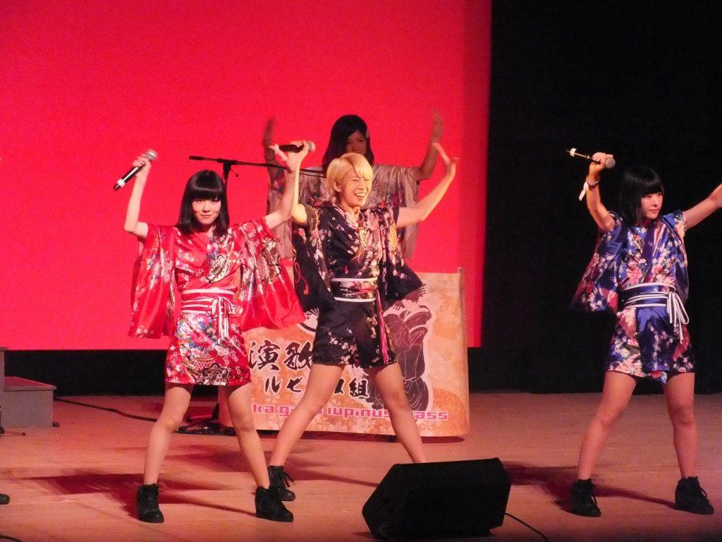夢の扉コンサート:演歌女子ルピナス組